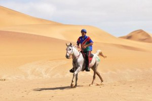 Gawie Viljoen riding Zabubega Manna in the dunes at Walvis Bay